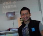 Oscar González at Vista